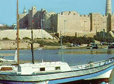 Тунис. Порт Эль Кантауи
